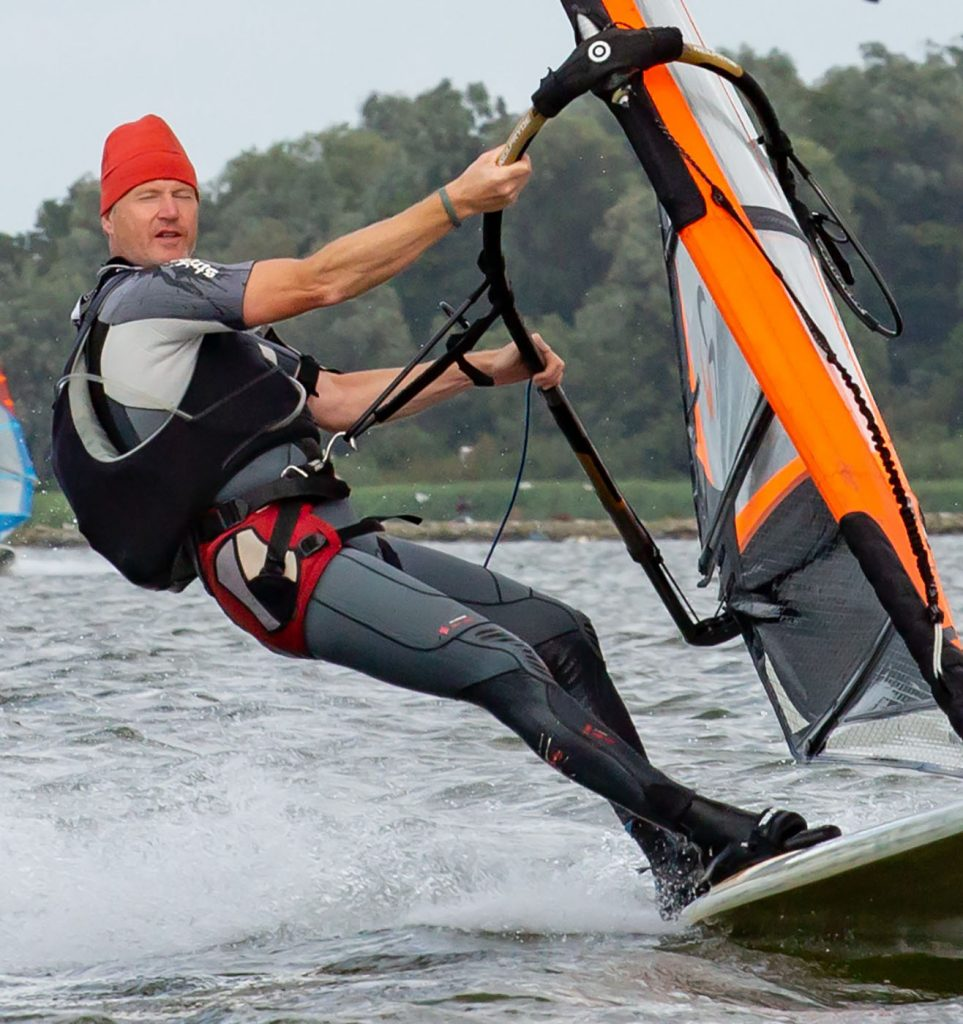 Arjen Mol windsurfing